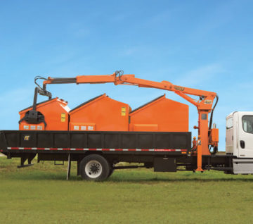 The CP-3 lifts and hauls containers, letting you get the job done quicker with no trailer required. Designed to make you more efficient.