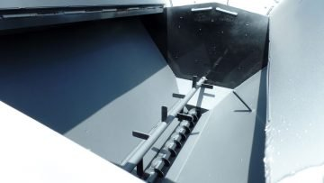 Asphalt Patcher – Single Auger Conveyor